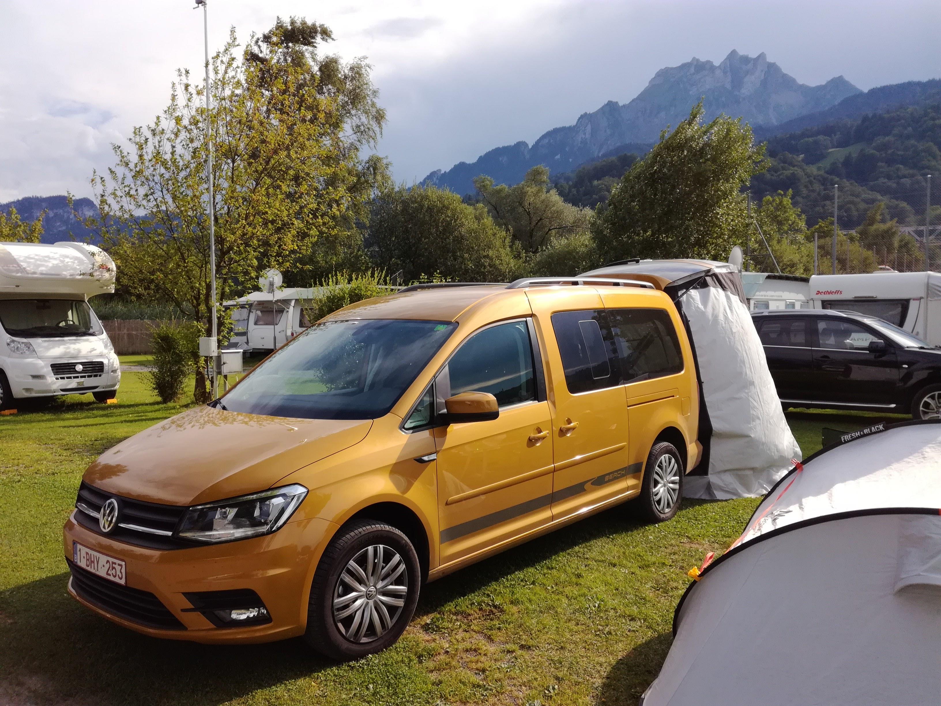 La voiture jaune à Lucerne